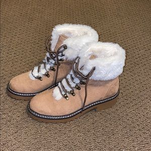 LACE UP FUR LINED BOOTS